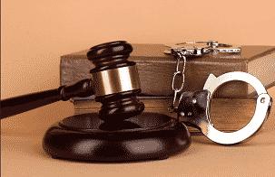 Как правильно выбрать адвоката по экономическим преступлениям